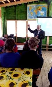 Валентин Сергеевич Пажетнов, доктор биологических наук, лекция в лагере Чистое (2)